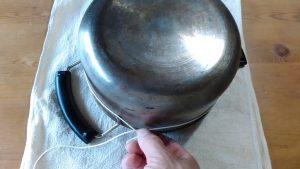 measure_circumference_pan 鍋の円周を測る
