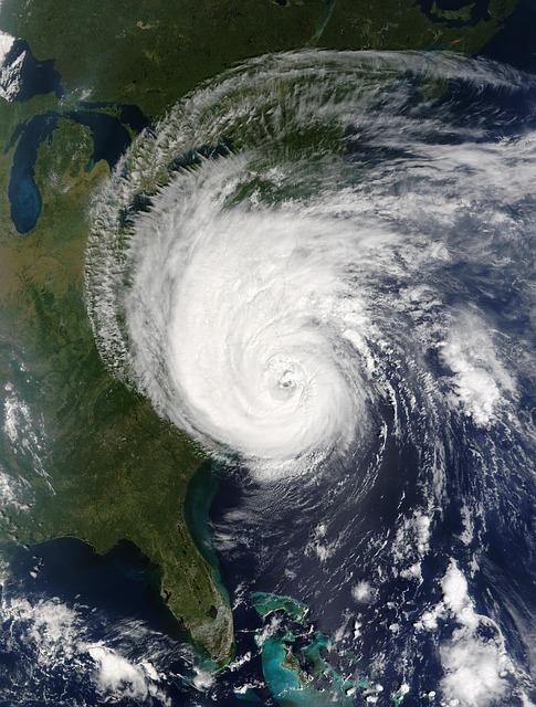 hurricane-74031_640