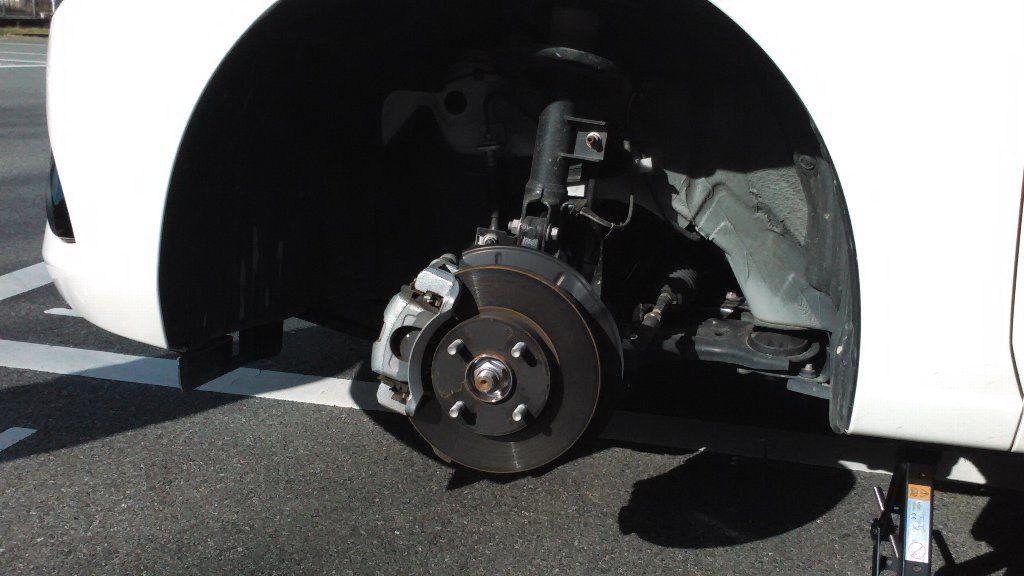 タイヤを外したところ