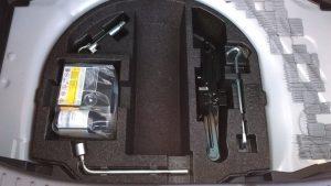工具とパンク修理セット