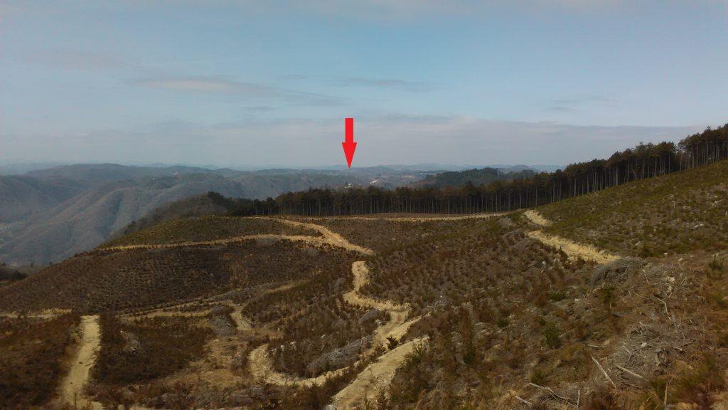 展望台手前の見晴台から備中松山城(1)
