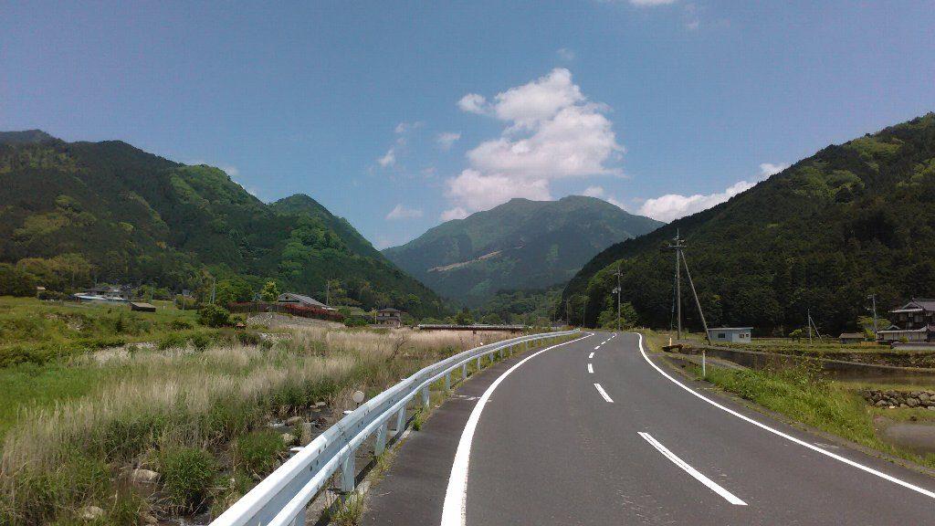 県道450号。三浦駅からはいったところ