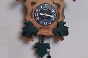 clock on the wall 壁掛け