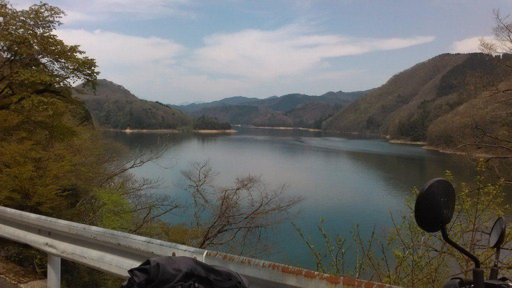湯原湖。霧が丘から