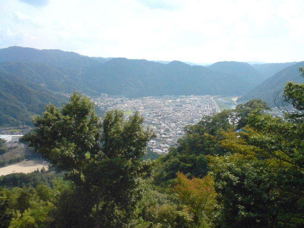 山の上から高梁市街
