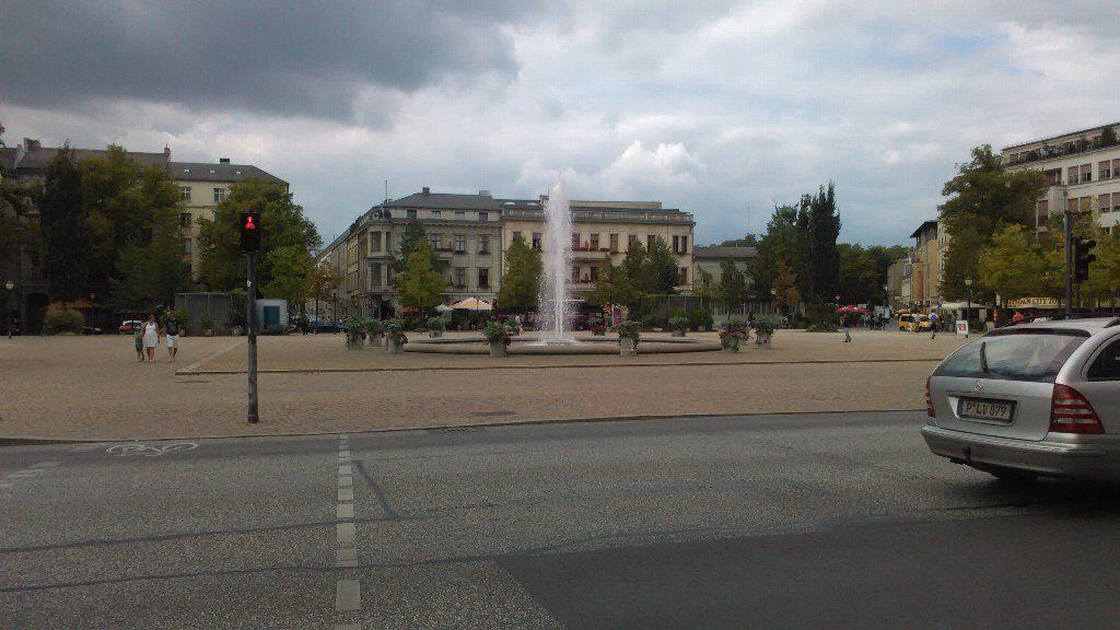 ブランデンブルク門。広場