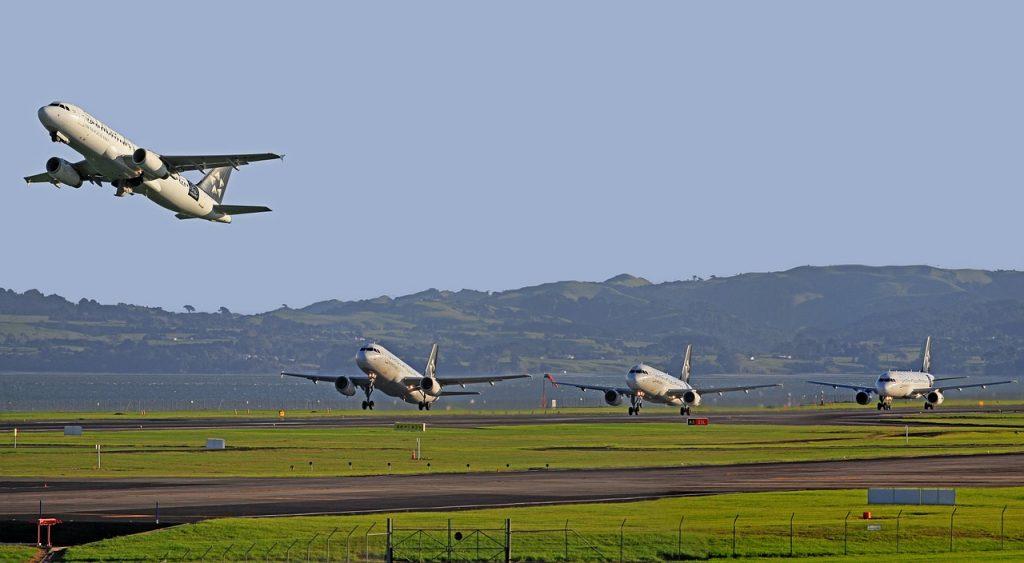 aircraft-122994_1280