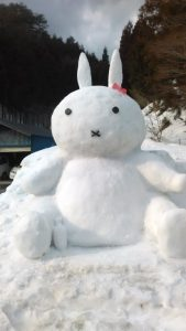 雪像。ミッフィー