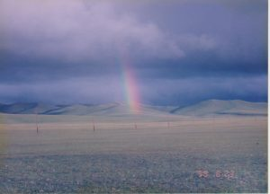 虹。地平線