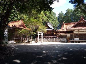 岩牟良神社と魔法社