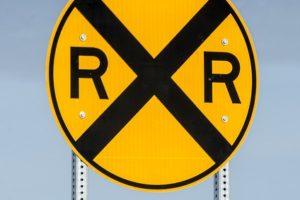 railroad-crossing-sign-1110083_640