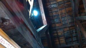 屋根裏、ボルト