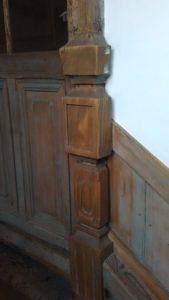 廻り階段。装飾2