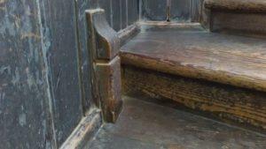 廻り階段。装飾
