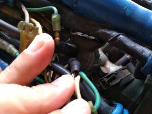 throttle wire スロットルワイヤと配線。外す