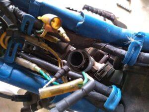 throttle wire スロットルワイヤを抜いたところ