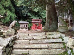 狐。稲荷神社